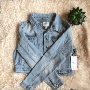 NWT Cropped light wash denim jacket